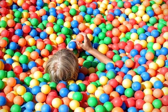 ball-pit-1661374_640.jpg